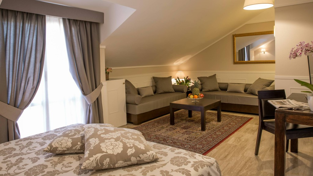 hotel-modigliani-rome-superior-room-06