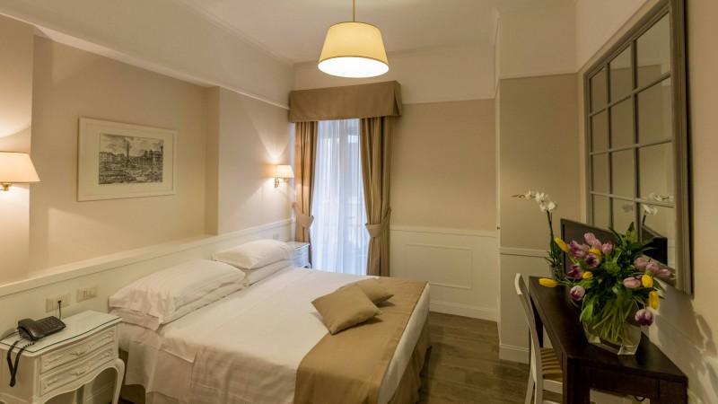 Hotel-Modigliani-camera-matrimoniale-matrimoniale-07
